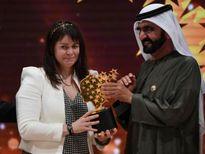 Dạy làm người tử tế, cô giáo đoạt giải 1 triệu USD