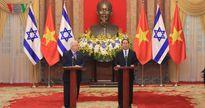 Chủ tịch nước Trần Đại Quang và Tổng thống Israel chủ trì họp báo