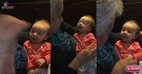 Video: Bà và cháu gái bị điếc nói chuyện cực yêu