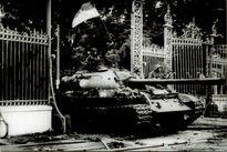 Gặp lại người chụp bức ảnh 'Xe tăng quân giải phóng tiến vào Dinh Độc Lập trưa 30/4/1975'