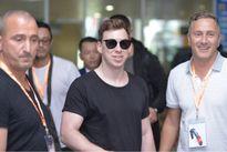 Hardwell tới Việt Nam, rời sân bay lập tức chuẩn bị cho đêm diễn