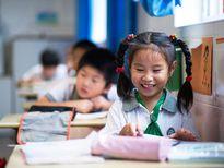 Giáo viên Trung Quốc bị tố quấy rối 15 bé gái