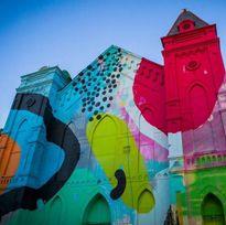 Biến đổi nhà thờ cổ thành một ngôi nhà đầy màu sắc