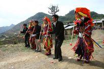 Hỗ trợ bảo tồn giá trị văn hóa truyền thống đồng bào dân tộc rất ít người