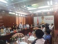 Cảnh sát áp tải đề thi ra đảo Lý Sơn