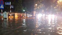 Hà Nội: Cơn mưa chiều tối 19.6 khiến nhiều nơi ngập sâu cả mét