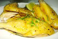Bày cách làm gà hấp sả thơm ngon, ngọt miệng đổi vị khiến cả nhà ăn 1 lần muốn ăn mãi