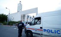Pháp bắt đối tượng định lái xe đâm đám đông ở trước nhà thờ Hồi giáo