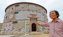 Cụ già 86 tuổi chi tiền tỷ xây 'cung điện gốm sứ' tuyệt đẹp