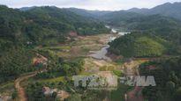 Hạn hán nặng tại 'ốc đảo' giữa hồ nước lớn nhất Bắc Giang