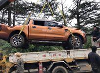 Ôtô lao xuống đèo Prenn, 3 người may mắn thoát nạn