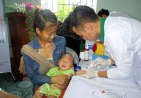 Hơn 1.000 trẻ em tộc người 'ngủ ngồi' được khám sàng lọc miễn phí
