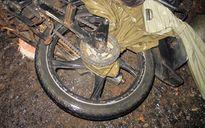 Áo mưa quấn vào xích xe, 1 người đàn ông chết thảm