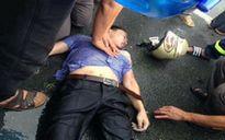 Đi xe máy trời mưa, thanh niên bị sét đánh bất tỉnh
