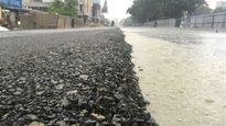 Sự thật vụ rải nhựa đường ngàn tỷ trong trời mưa bão