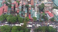Hà Nội: Người dân vật lộn với cảnh tắc đường