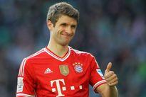 Bayern phũ với MU, Milan muối mặt vì 'người dơi'