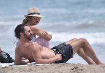 Eva Longoria diện bikini nóng bỏng, hạnh phúc bên người chồng thứ ba