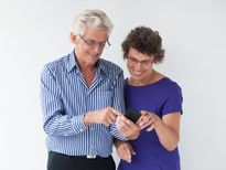 Điểm danh những mẫu điện thoại phù hợp cho người cao tuổi