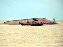 Tiếp tục phát hiện 1 thi thể trên con tàu chìm ở Nghệ An