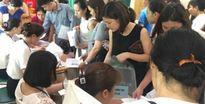 Hà Nội: Khóc dở vì phải bốc thăm để con được vào học trường mầm non