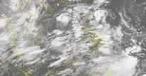 Xuất hiện áp thấp nhiệt đới đang mạnh dần lên trên biển Đông, Hà Nội tiếp tục mưa to