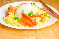 Cách làm trứng chiên cà chua siêu dễ