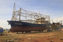 Sửa chữa 'tàu thép 67': Bắt ngư dân chờ đến bao giờ?