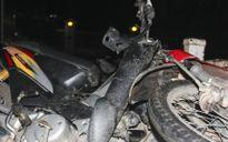 Xe CSGT va chạm mô tô, một thanh niên trọng thương