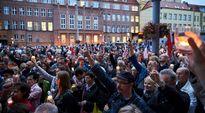 Chính phủ Ba Lan có quyền kiểm soát tòa án, người dân xuống đường phản đối