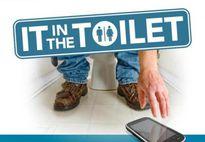 """""""Cạch"""" mang điện thoại vào nhà vệ sinh khi biết tác hại ghê gớm này"""