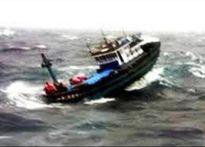 Khẩn cấp cứu nạn 4 ngư dân bị bắn ngoài khơi