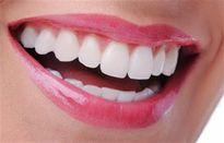 Bất ngờ với loại rau siêu rẻ làm sạch mảng bám trên răng