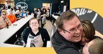 Quán cafe cực kỳ đặc biệt, khiến nhiều người ngạc nhiên vì toàn bộ nhân viên là người khuyết tật
