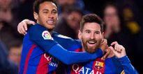Messi ăn pizza dưỡng sức hạ MU, nghĩ kế lạ giữ Neymar