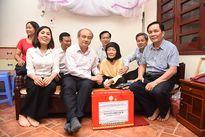 Lãnh đạo Tổng cục TDTT thăm hỏi Mẹ Việt Nam anh hùng Nguyễn Thị Vạch