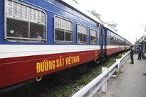 Hai tàu hỏa suýt tông nhau vì trực ban ngủ quên
