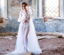 Chụp ảnh nội y ở nhà thờ bỏ hoang, người mẫu Nga đối mặt với án tù