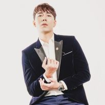 Aaron Hoàn-bản sao Jo In Sung tung bộ ảnh lạnh lùng và nam tính