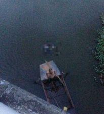 Thi thể nhiều thương tích trôi trên sông ở Hải Dương