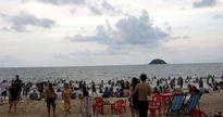Sinh viên vừa ra trường bị sóng cuốn xa 10km khi tắm biển Bình Thuận