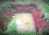 Một nam sinh tử vong do trượt chân rơi xuống hồ