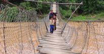Kon Tum: Nhiều cầu treo xuống cấp, nguy hiểm 'rình rập' trong mùa mưa lũ