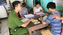 Sinh viên Học viện Cảnh sát dạy tiếng Anh miễn phí cho trẻ em nghèo Quảng Nam