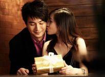 Nỗi niềm của người yêu phải cô nàng thích đòi quà
