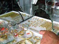 Chồng đi trộm vàng, vợ vô tình bán lại cho chính khổ chủ