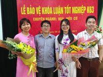 Thầy giáo trẻ Trường chuyên Phan Bội Châu: 'Điểm kém quá đừng vào sư phạm'