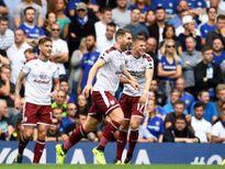 Chelsea bị đuổi hai người, thất bại trận mở màn Ngoại hạng Anh