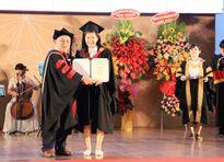 EIU trao bằng tốt nghiệp cho 200 tân cử nhân, kỹ sư