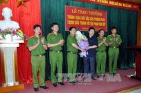 Khen thưởng thành tích xuất sắc trong đấu tranh với tội phạm ma túy